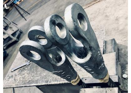 WIRE ROPE SLINGS WITH SPELTER SOCKETS