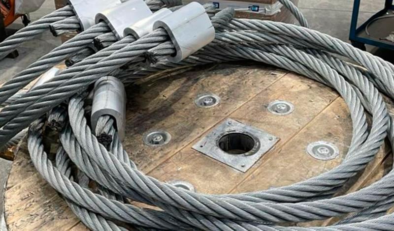 Steel wire rope rings for lifting precast concrete elements
